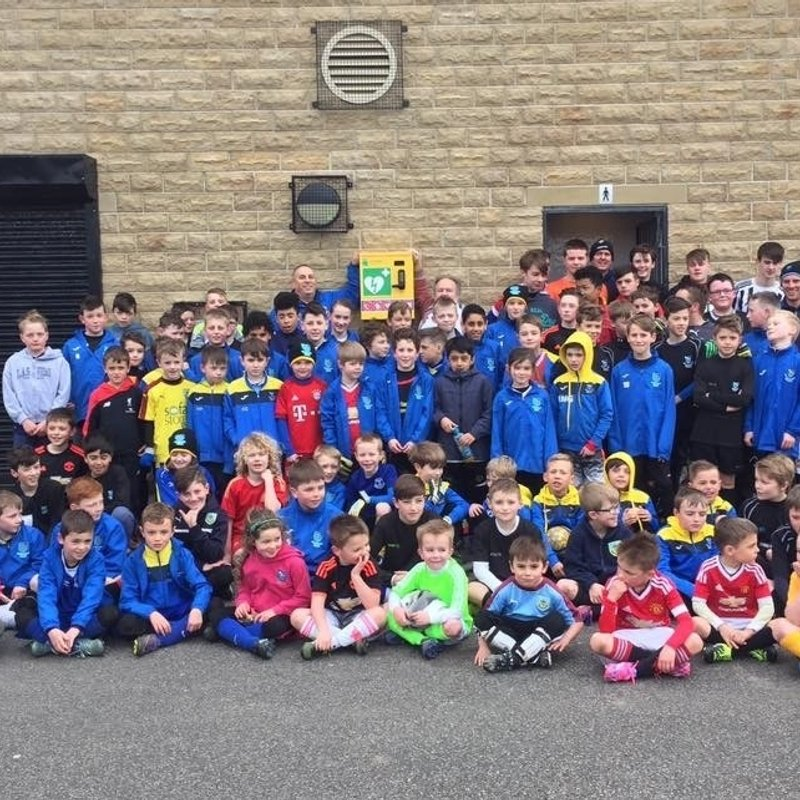 Juniors secure Defibrillator for Victory Park