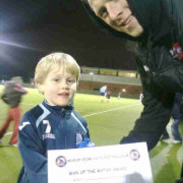 Exeter City player Danny Coles joins BSYFC U7 training session