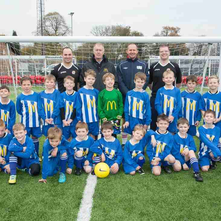 Sir Geoff Hurst visits BSYFC U7/U8 training session