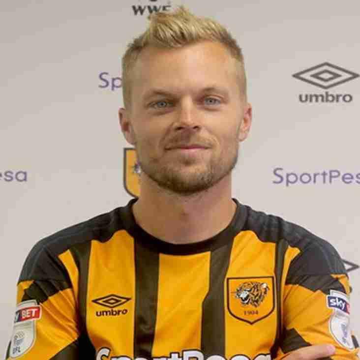 Tigers Sign Larsson