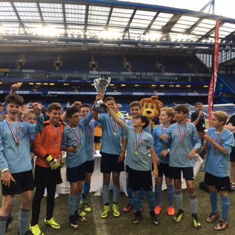 KEW UNDER 13s GO TO STAMFORD BRIDGE AND BRING HOME THE CUP