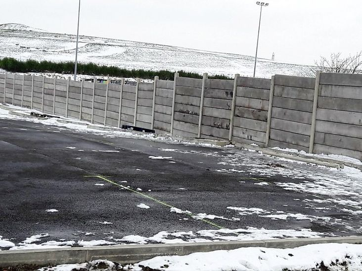 Hardy: Volunteers braved the freezing weather to erect Frickley's new fencing