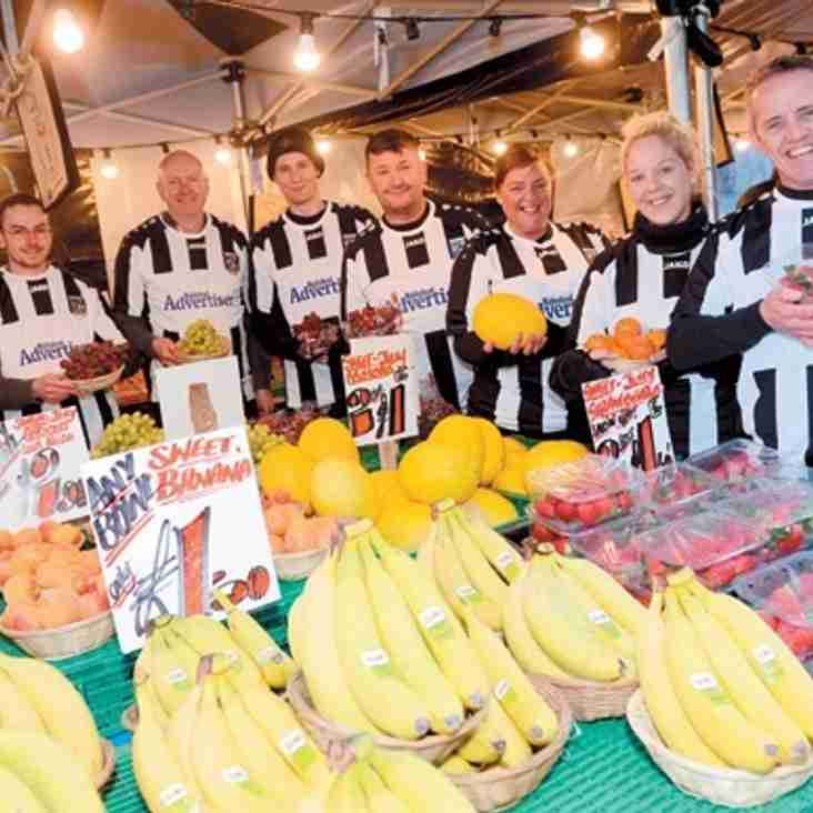 Fruit shop staff wear the stripes