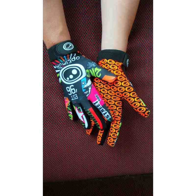 Full finger gloves *NEW*