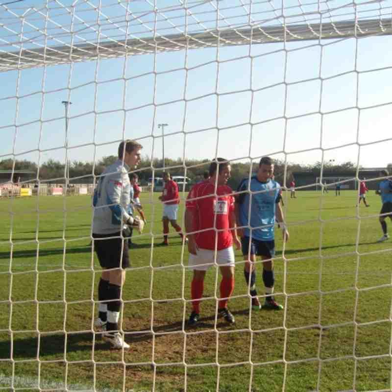 Uxbridge FC v Sittingbourne FC F.A. Trophy 1st QR 22nd Oct 2011 Result 3-1
