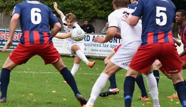 Truro Close In On League Leaders