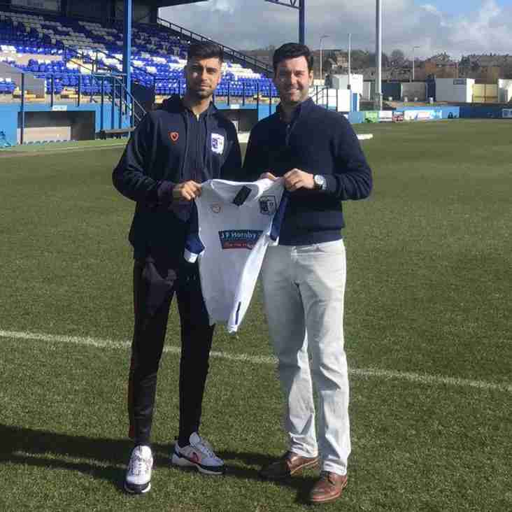 Barrow Sign Up Waterston For Another Season