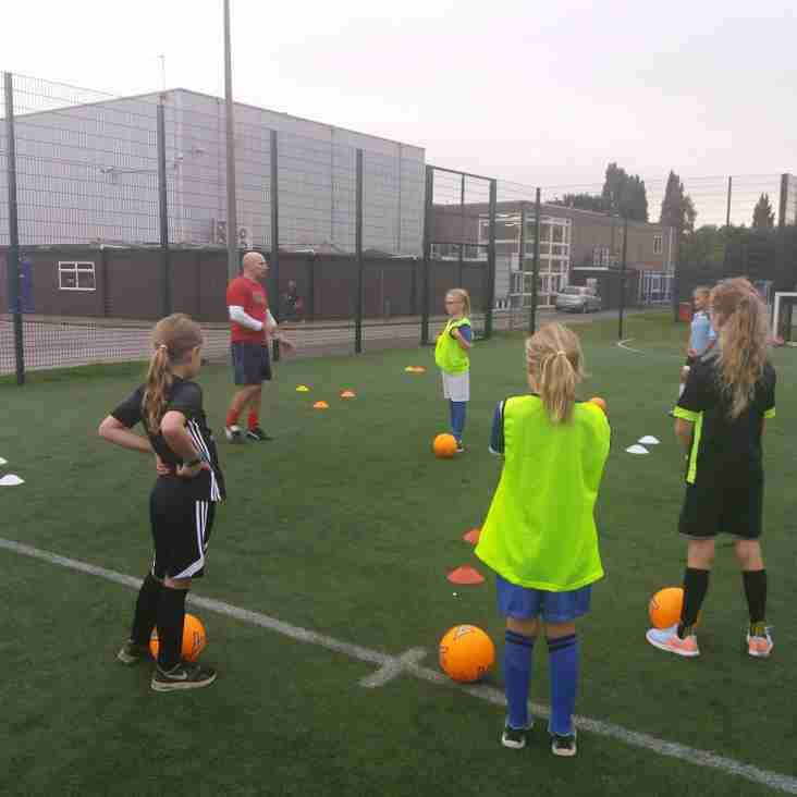 FA commends Beeston FC for its girls' football scheme