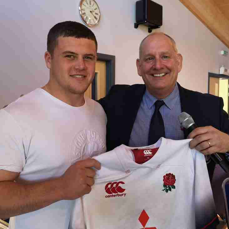 Alfie Barbeary presents the club his England U18 shirt!
