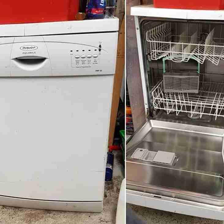 No longer available - Hotpoint Aquarius DWF30 Dishwasher