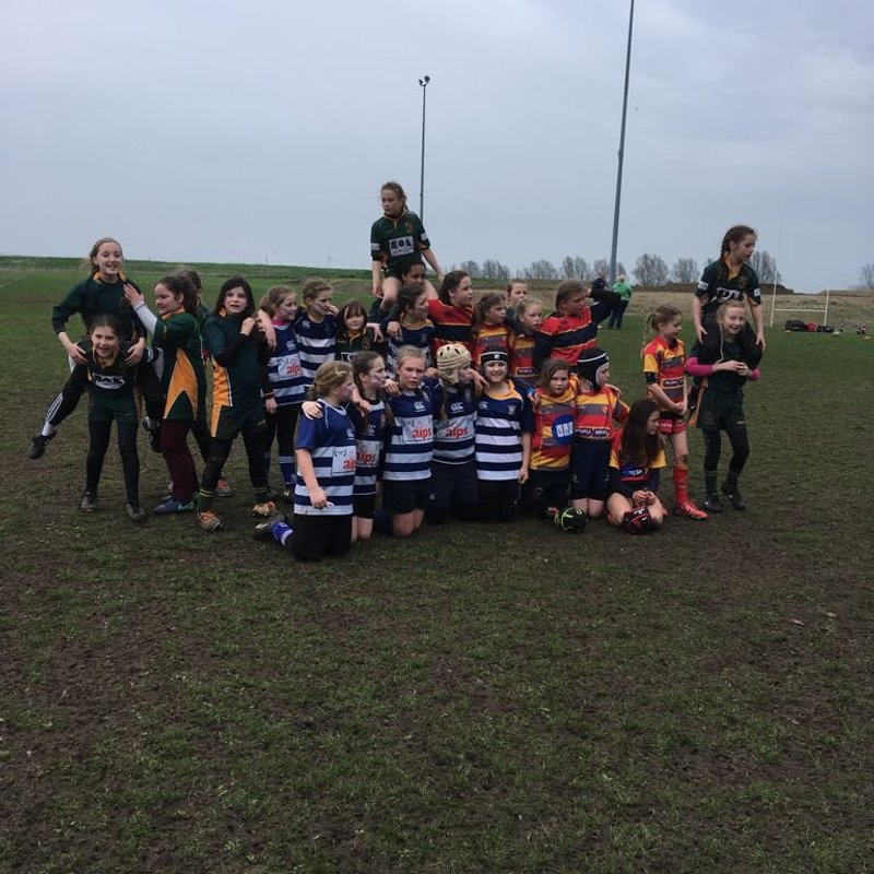 U11s Minxes in a Fearless Team Performance