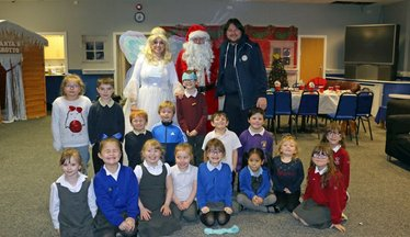 Pools' Harrison Helps To Spread Christmas Cheer