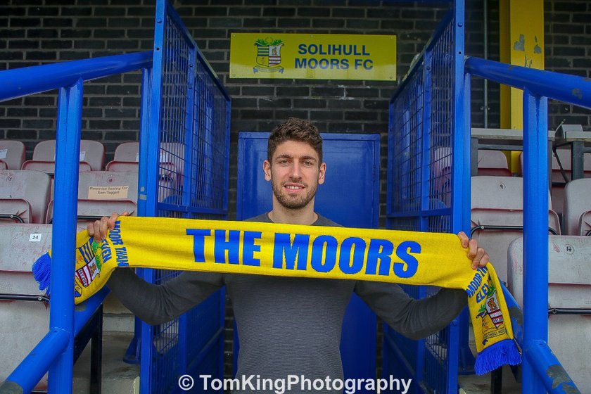 Carline pens Moors contract extension