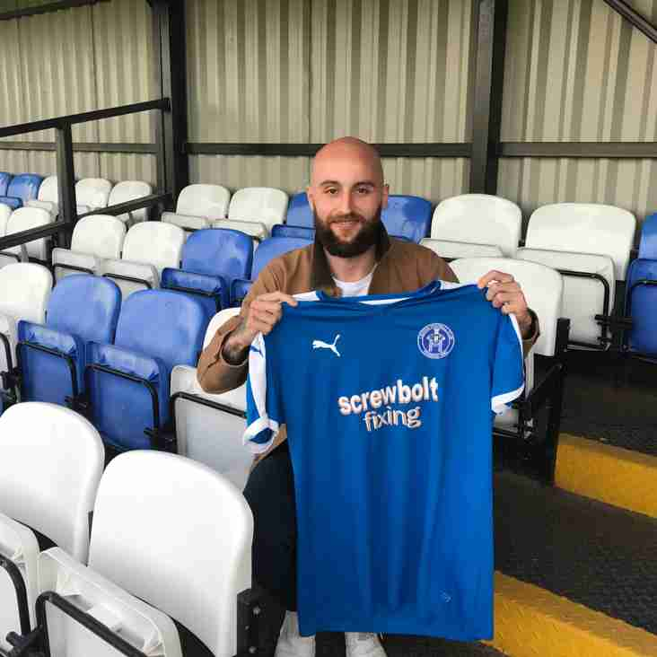 Blues sign Chris Henderson