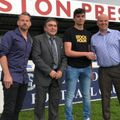 Young goalkeeper agrees his first contract