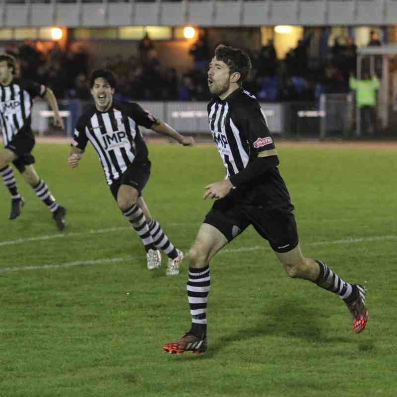 Grantham Town 2 Salford City 0 - 28th November 2015 - Photos by Phil Palmer