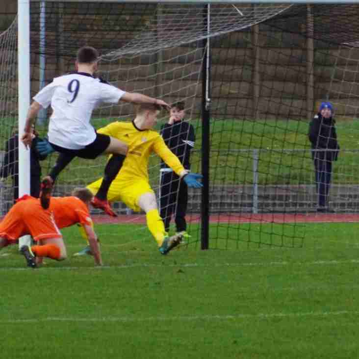 Score Draw Keeps Gingerbreads Second