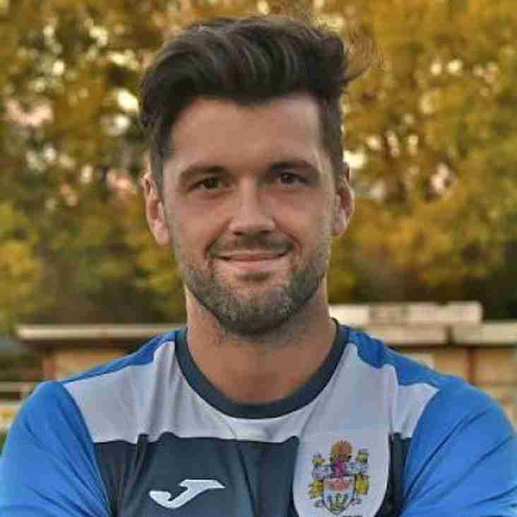 Kingfishers sign Kelly!