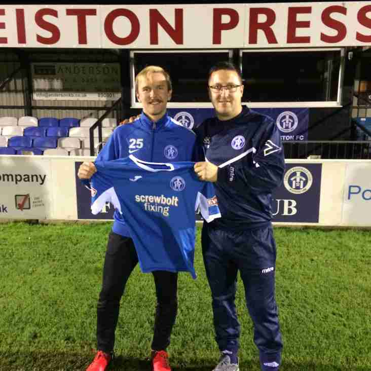 Robert Eagle returns to Victory Road