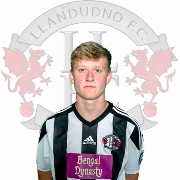 Joe Carey signs for Llandudno