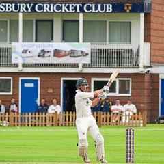 Westbury celebrates Worcestershire contract