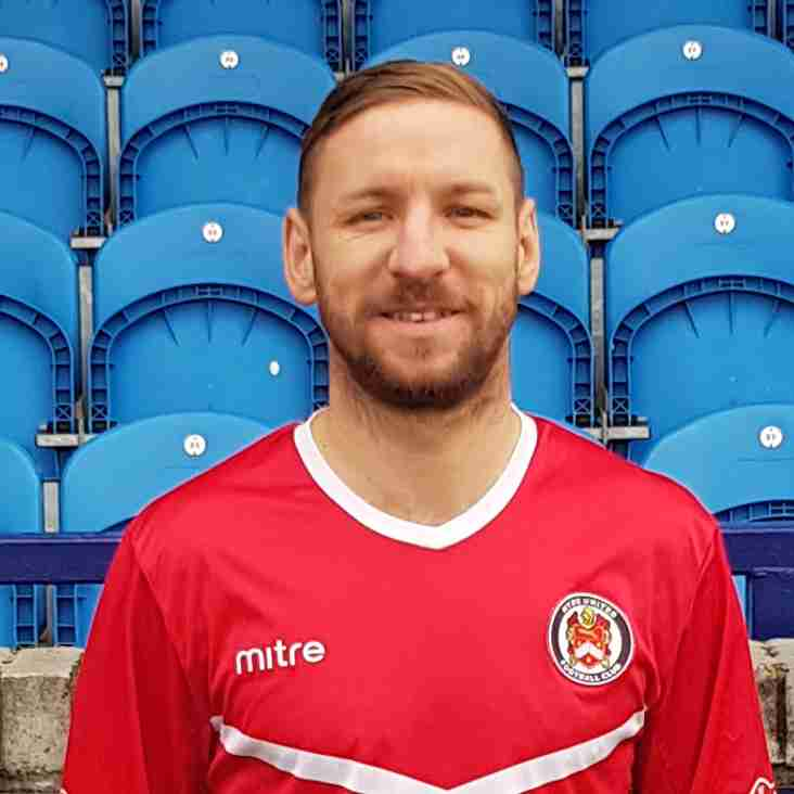 Smalley extends Hyde stay