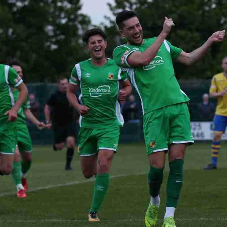 Dabbers bring back striker