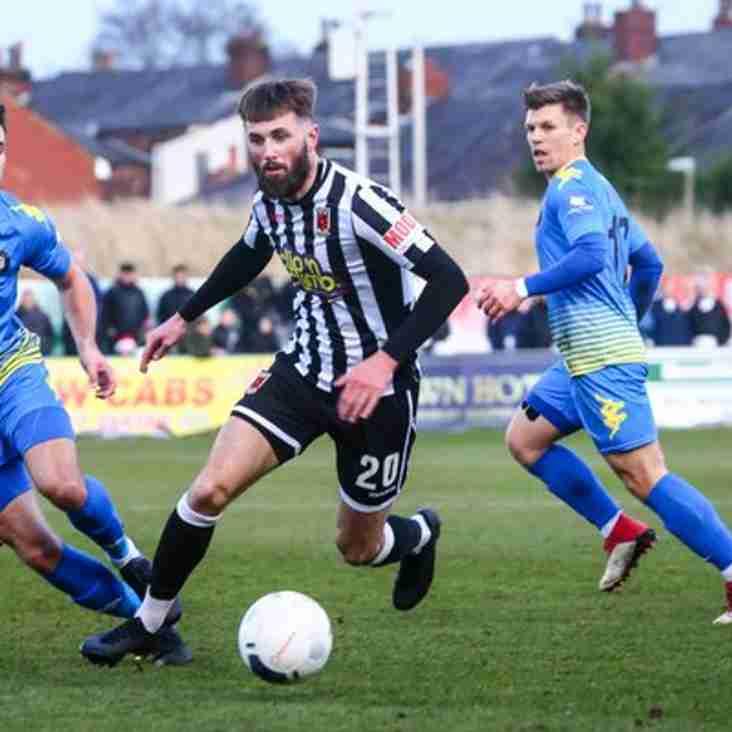 Stalybridge add striker from Chorley