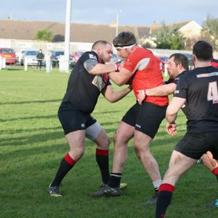 Ards defeat league leaders!
