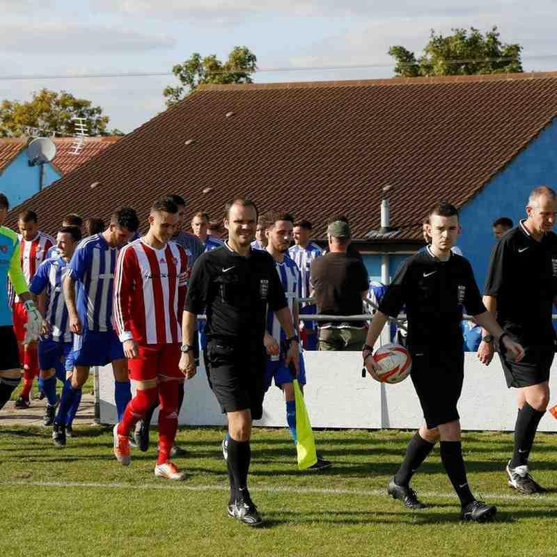 Godmanchester Rovers v Felixstowe and Walton Utd