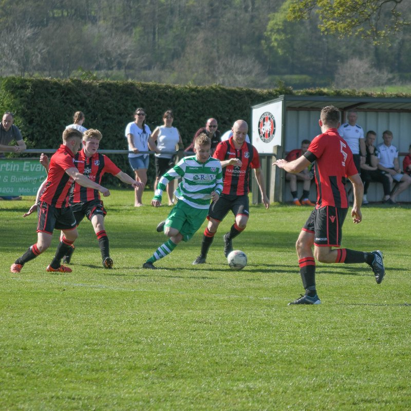 Wellmen fight out goaless draw at Guilsfield.