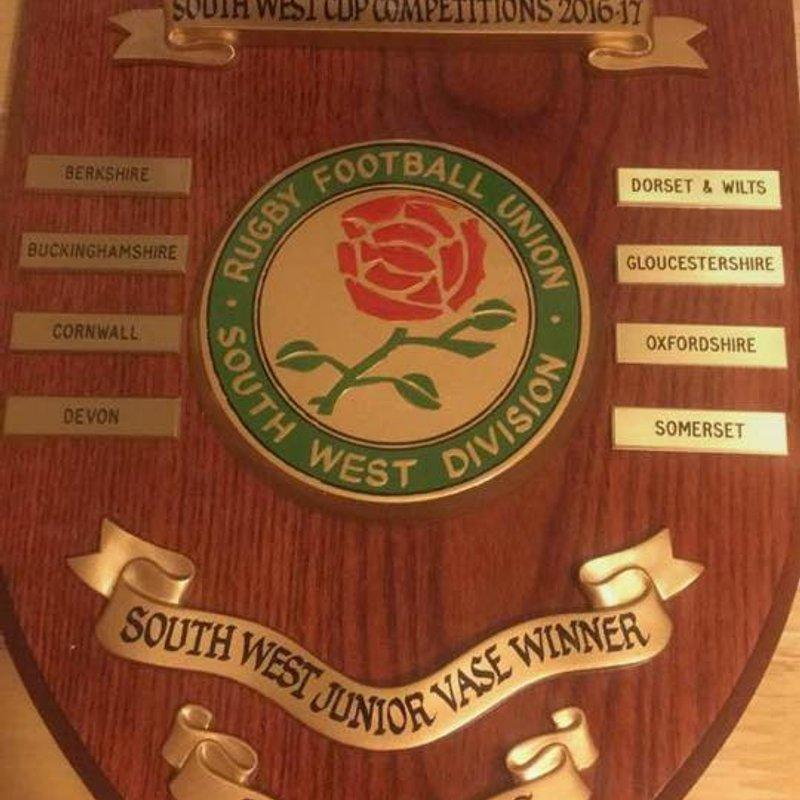 National Vase Cup