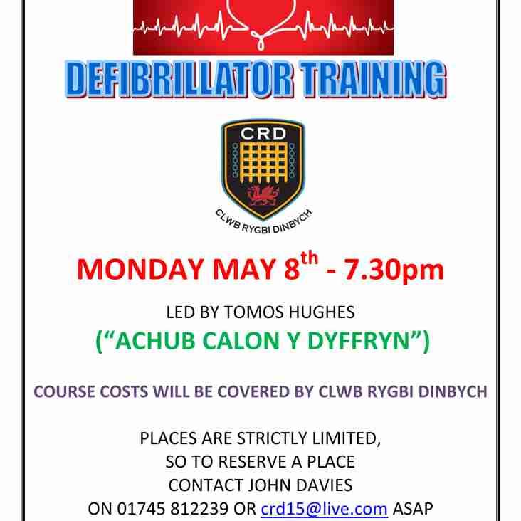 Defibrillator Training at Caeau Les Phillips
