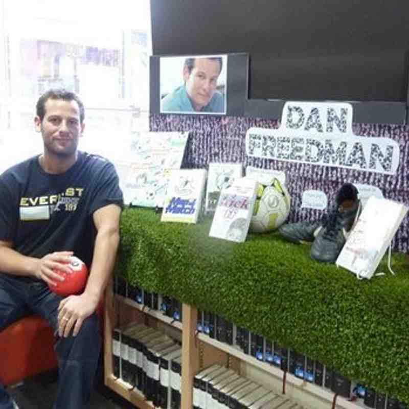 Dan Freedman Signing