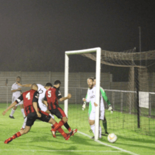 Thame United  1 Beaconsfield Town 2