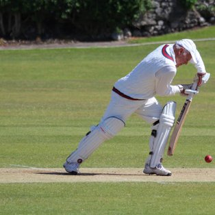 Fourths fall to narrow defeat