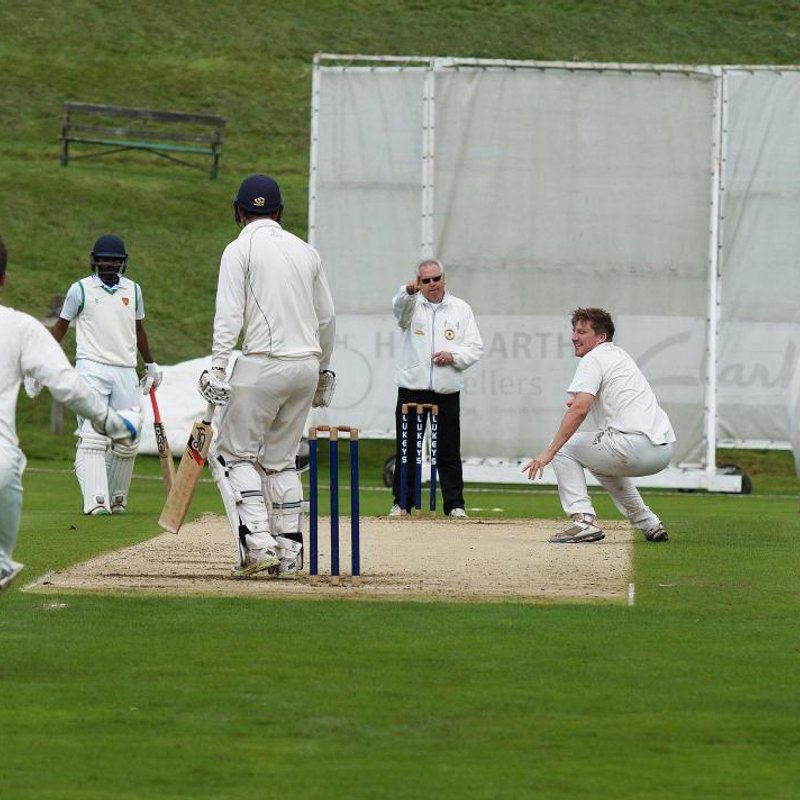 Clarkson rips through as Netherfield edge closer