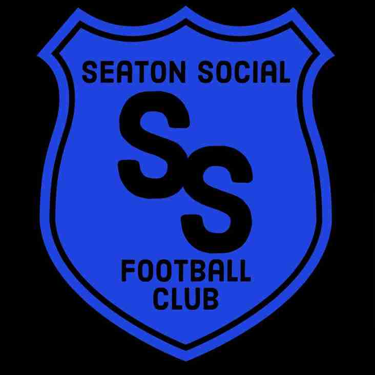 SEATON SOCIAL TOP AT CHRISTMAS