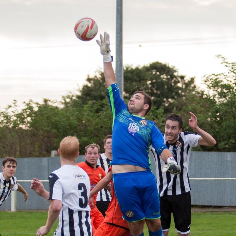 Extra time see pedlars bow of the vase