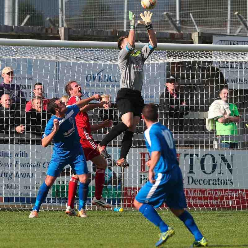 Chippenham Town v Hemel Hempstead Match Picture 11th Oct 2014