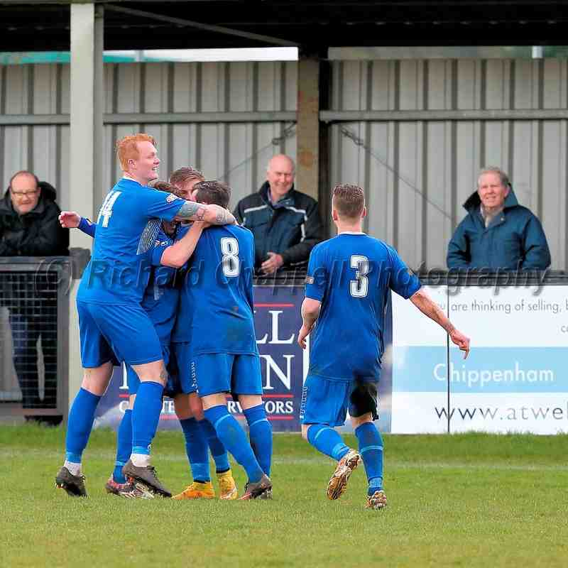 Chippenham Town V Biggleswade Town Match Pictures 9th April 2016