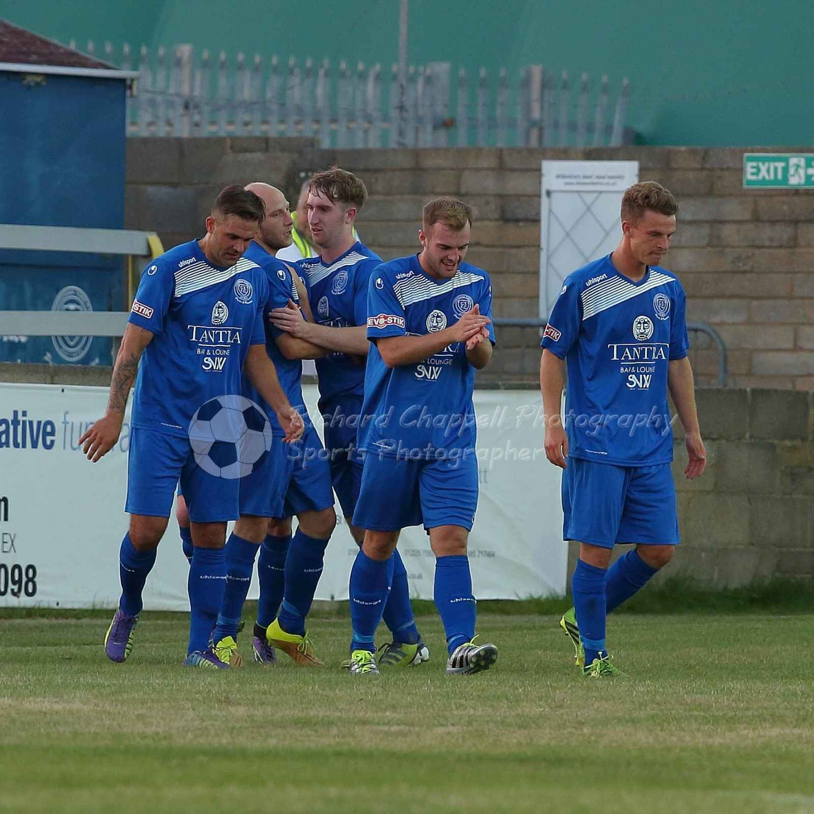 Chippenham Town V Cinderford Town Match Pictures 16th August 2016
