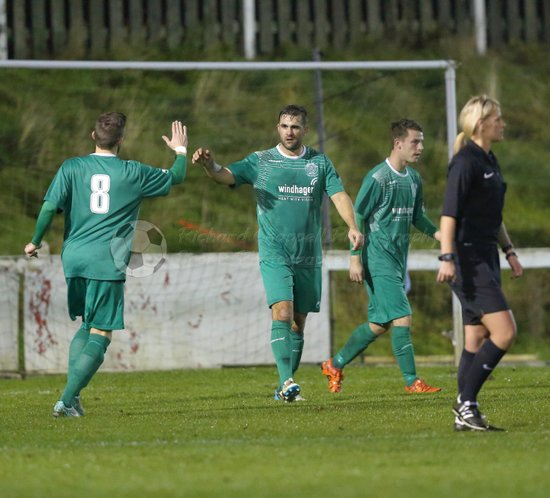 Chippenham Town V Cinderford Town Match Pictures 22nd Nov 2016