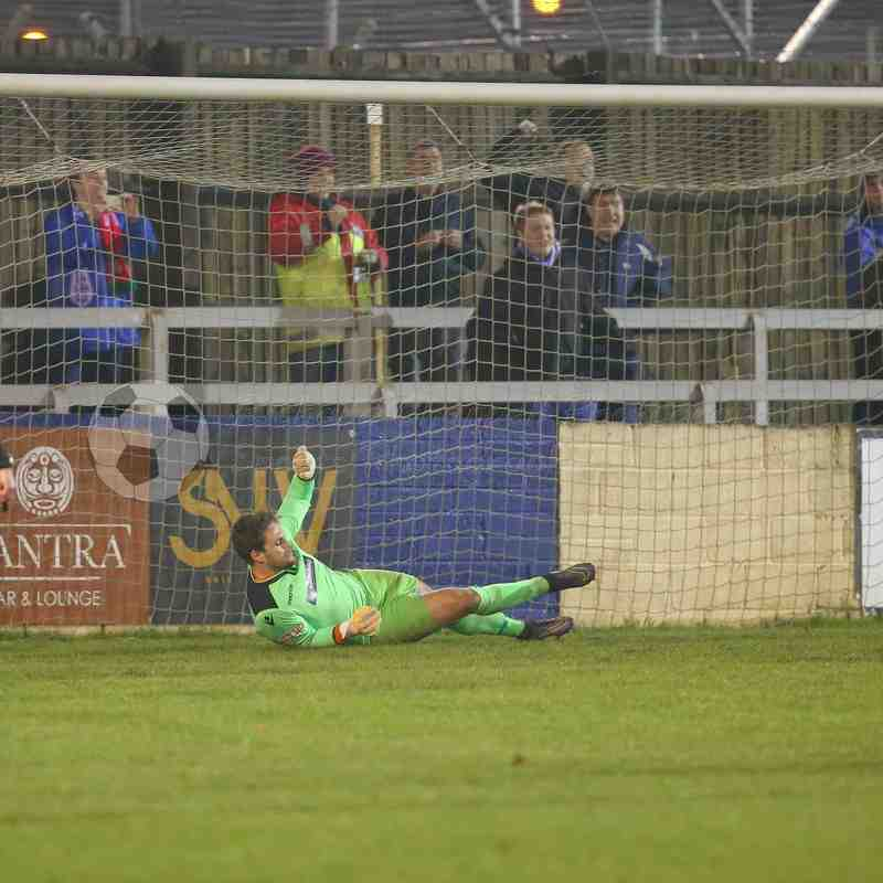 Chippenham Town V Slough Town Match Pictures 6th Dec 2016