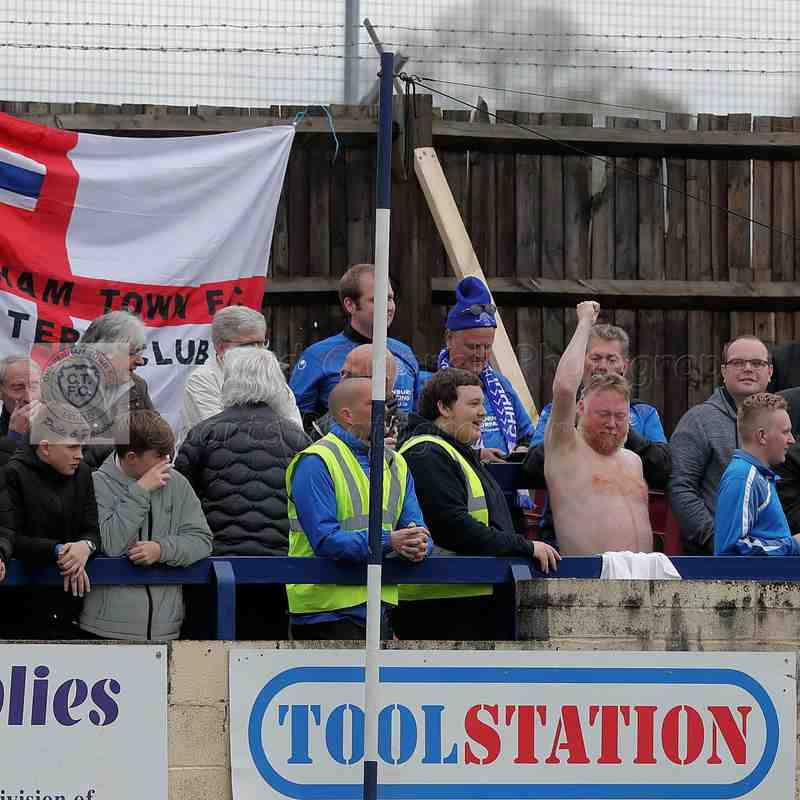 Chippenham Town V Welling United Match Pictures 28th April 2018