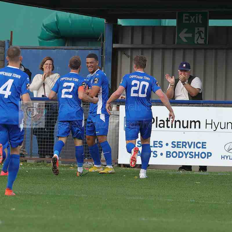 Chippenham Town V Dartford FC Match Pictures 13th October 2018