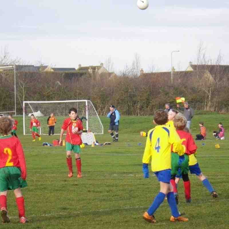 2013 U 10's on the pitch