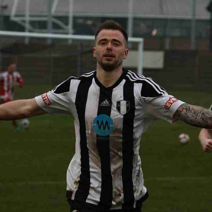Lee Shaw completes presentation night hat-trick