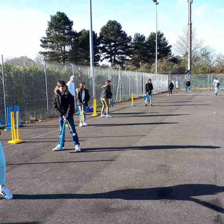 French cricket returns to Short Lane