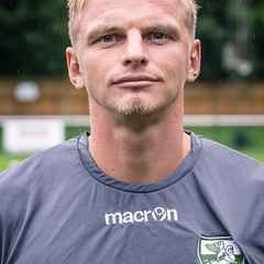 Leatherhead 0 Enfield Town 3   Devyne Inspiration for Town